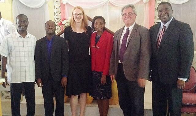 UCNH: mit Vertretern der Leitung nach der Campusandacht